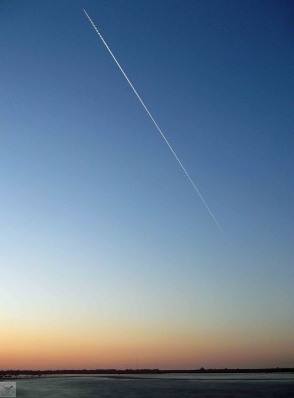 19.02.13. Sun set and jet from the south banks of No 6 tank, Frodsham Marsh