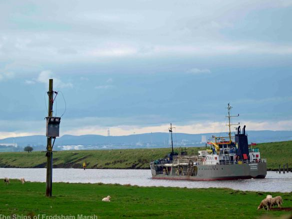 05.04.14. Dredger on the MSC off Marsh Farm, Frodsham Marsh. Bill Morton
